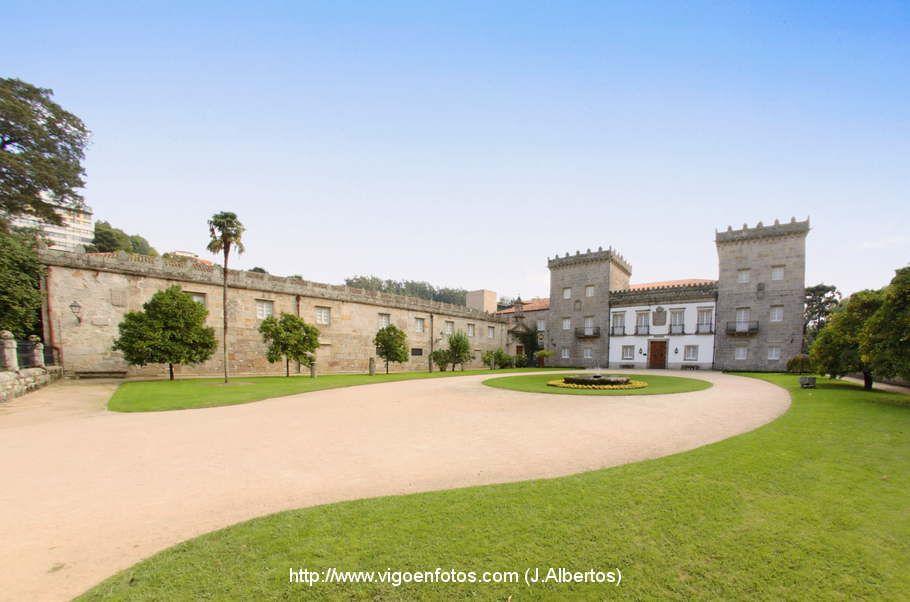 Visita el pazo de Quiñones de León con el barco Cangas Vigo