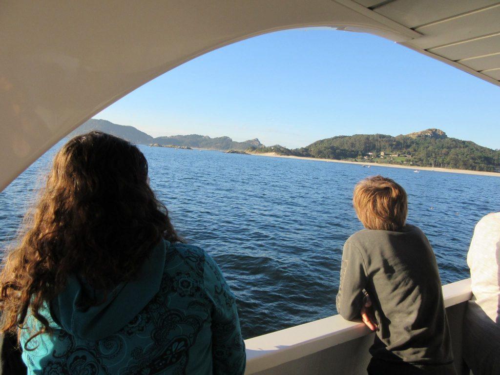 Visita las Islas Cíes en ferebro con Mar de Ons