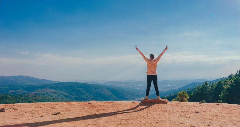 estar al aire libre mejora tu felicidad